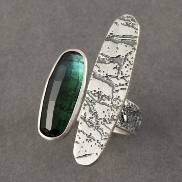 Dendritic agate ring with green tourmaline in textured sterling silver, UK size R 1/2